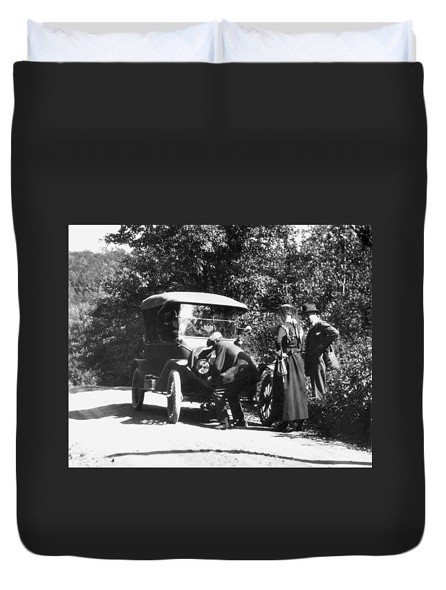 1919 Duvet Cover featuring the photograph Model T Ford, 1919 by Granger