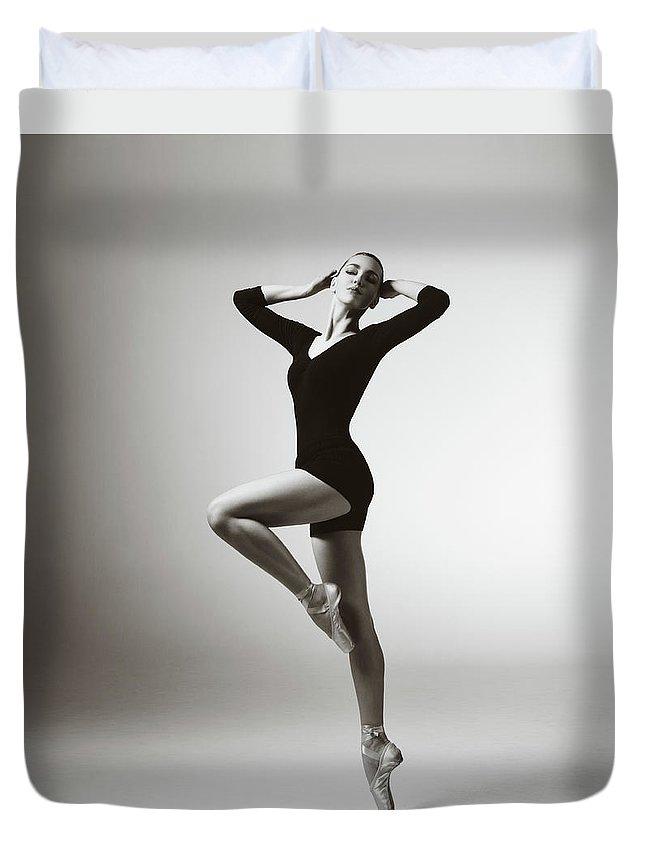 Ballet Dancer Duvet Cover featuring the photograph Modern Dancer by Lambada