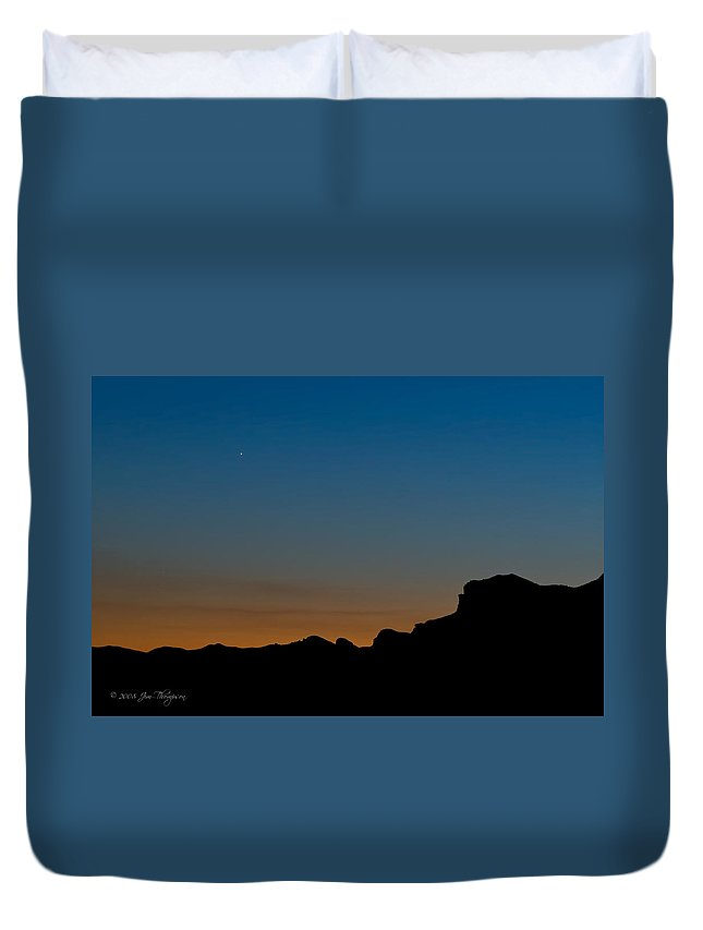 Landscapes Duvet Cover featuring the photograph Mojave Sunset by Jim Thompson