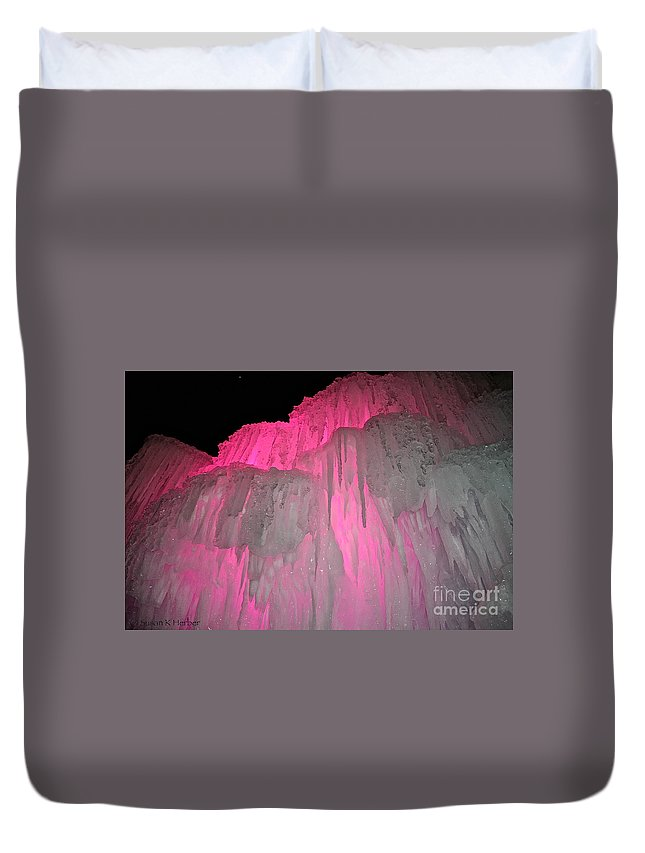 Ice Duvet Cover featuring the photograph Molten Pepto by Susan Herber