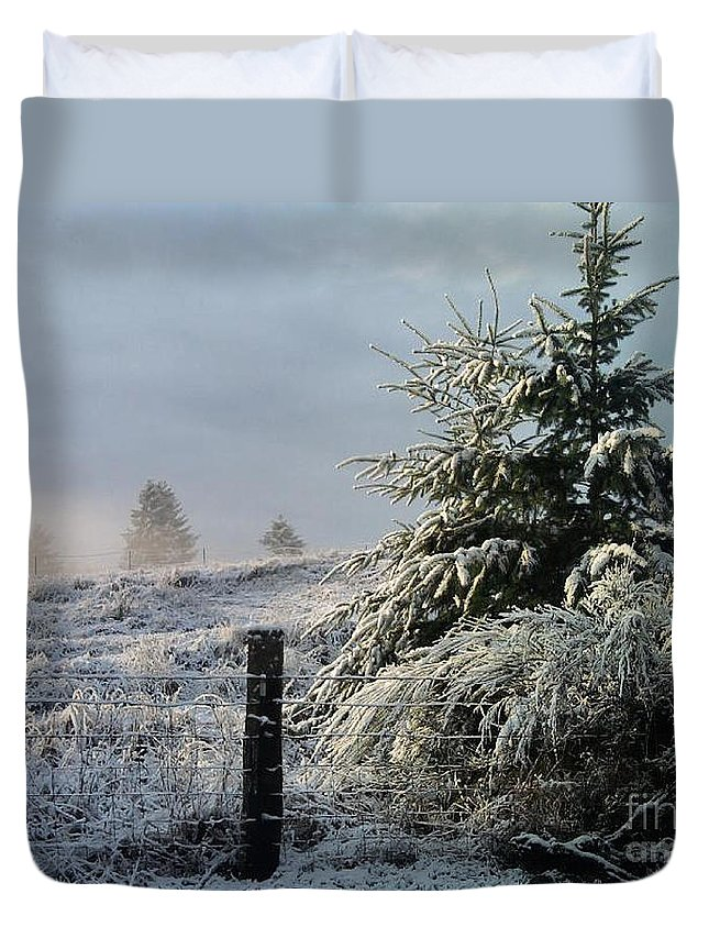Landscape Duvet Cover featuring the photograph Moment Of Peace by Rory Sagner