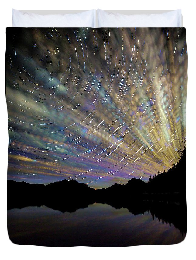 Scenics Duvet Cover featuring the photograph Montana Skies by Aaron Aldrich Fine Art