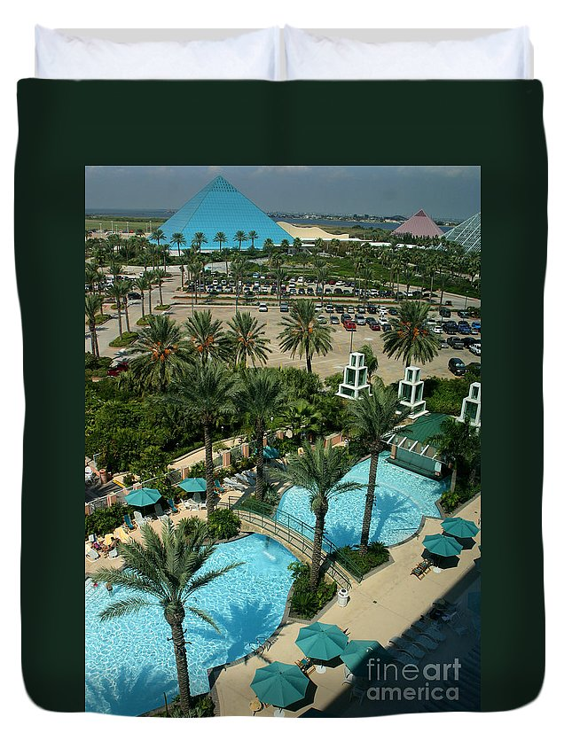 Vacation Duvet Cover featuring the photograph Moody9728 by Gary Gingrich Galleries