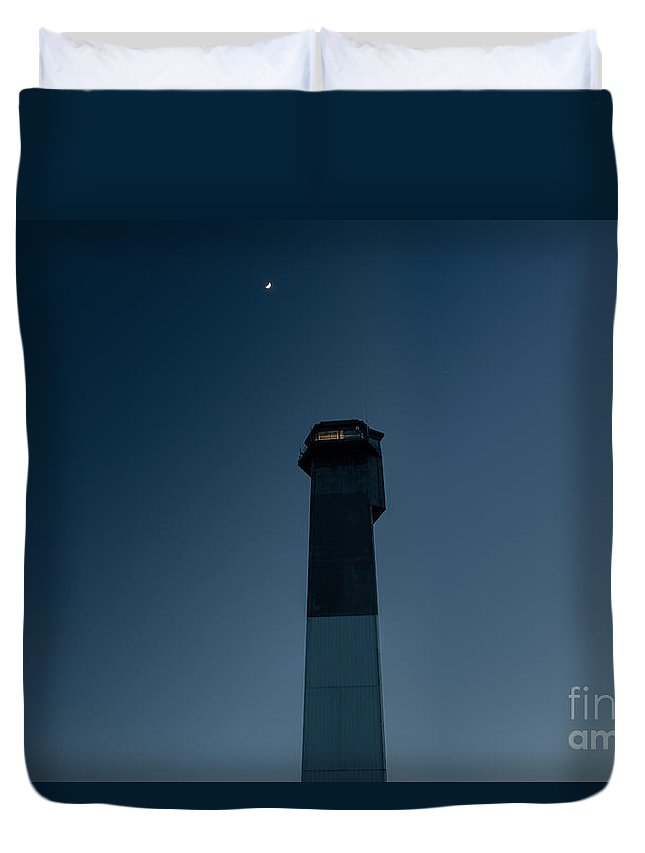 Sullivan's Island Lighthouse Duvet Cover featuring the photograph Moon And Lighthouse by Dale Powell