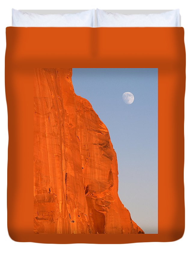 Landscapes Duvet Cover featuring the photograph Moon At Monument Valley by Jeff Brunton