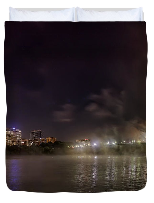 Metro Duvet Cover featuring the photograph Moon Over The Bridge by Metro DC Photography