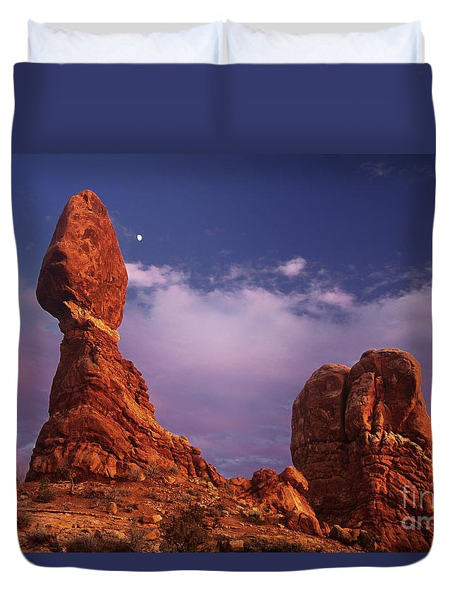 Arches National Park Duvet Cover featuring the photograph Moonrise At Balanced Rock Arches National Park Utah by Dave Welling