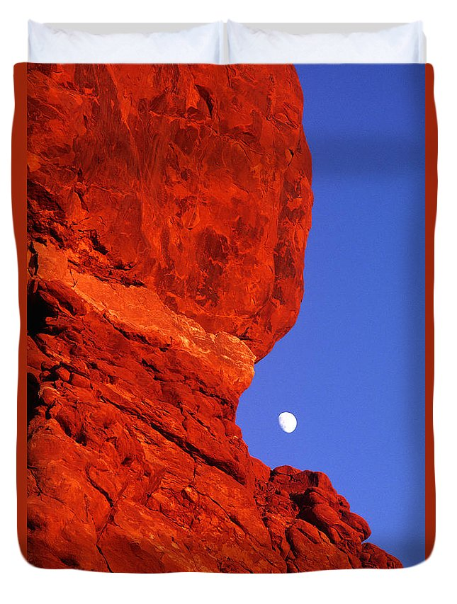 North America Duvet Cover featuring the photograph Moonrise Balanced Rock Arches National Park Utah by Dave Welling