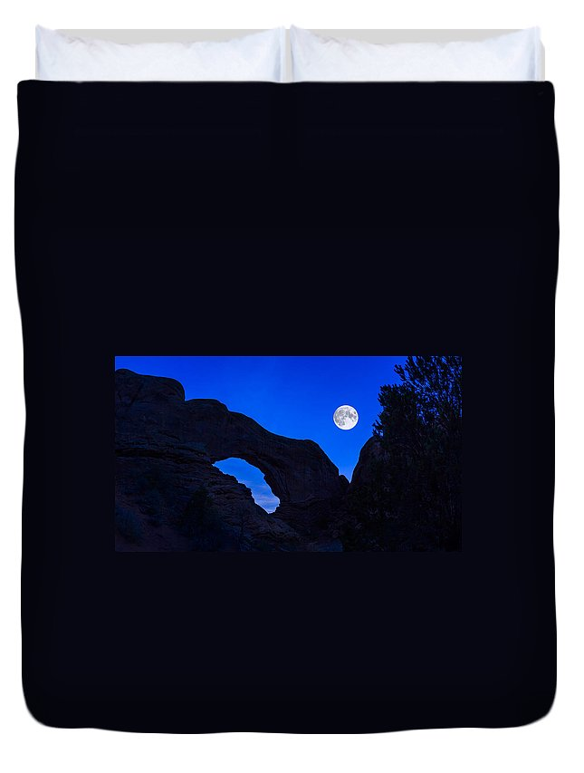 Arches National Park Duvet Cover featuring the photograph Moonrise Over North Window Arch by Jeff Burton