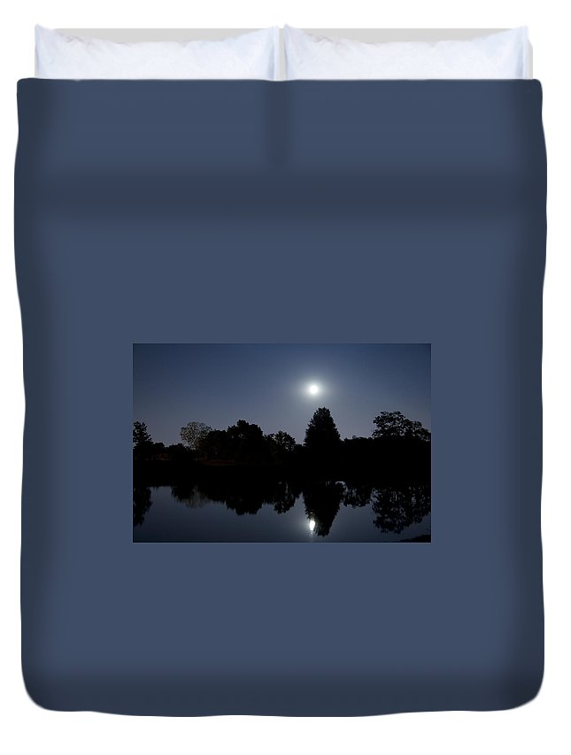 Moon Duvet Cover featuring the photograph Moonrise Over The Lake by Alexey Stiop