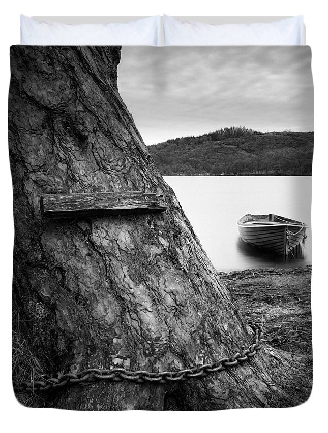 Loch Ard Duvet Cover featuring the photograph Mooring by Dave Bowman