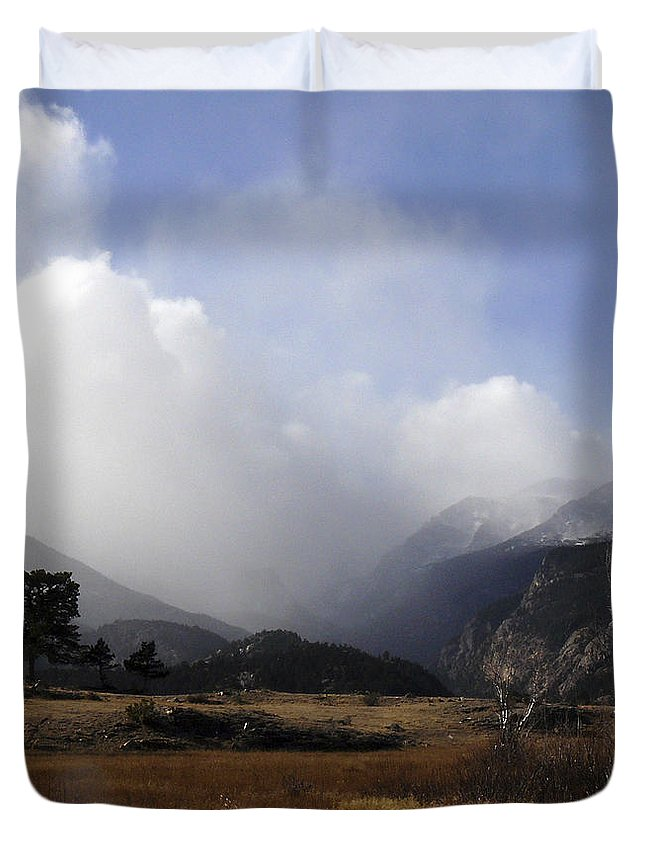 Rocky Mountains Duvet Cover featuring the photograph Moraine Park Rmnp Co by David Kehrli