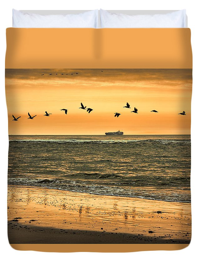 Tybee Island Duvet Cover featuring the photograph Morning Flight by Diana Powell