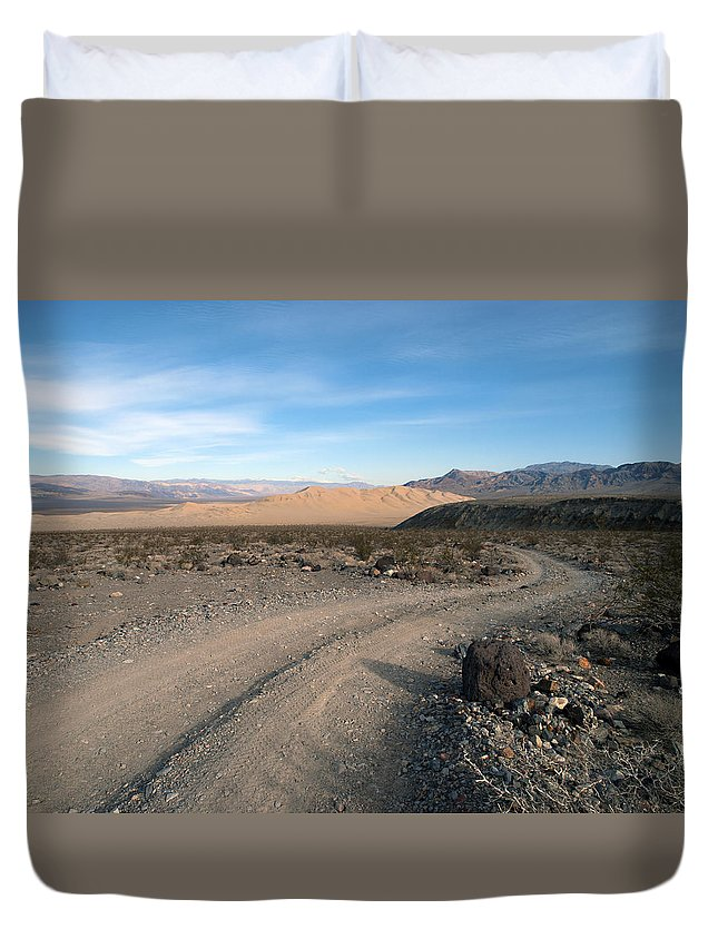 Death Valley Duvet Cover featuring the photograph Morning On Steele Pass by Joe Schofield