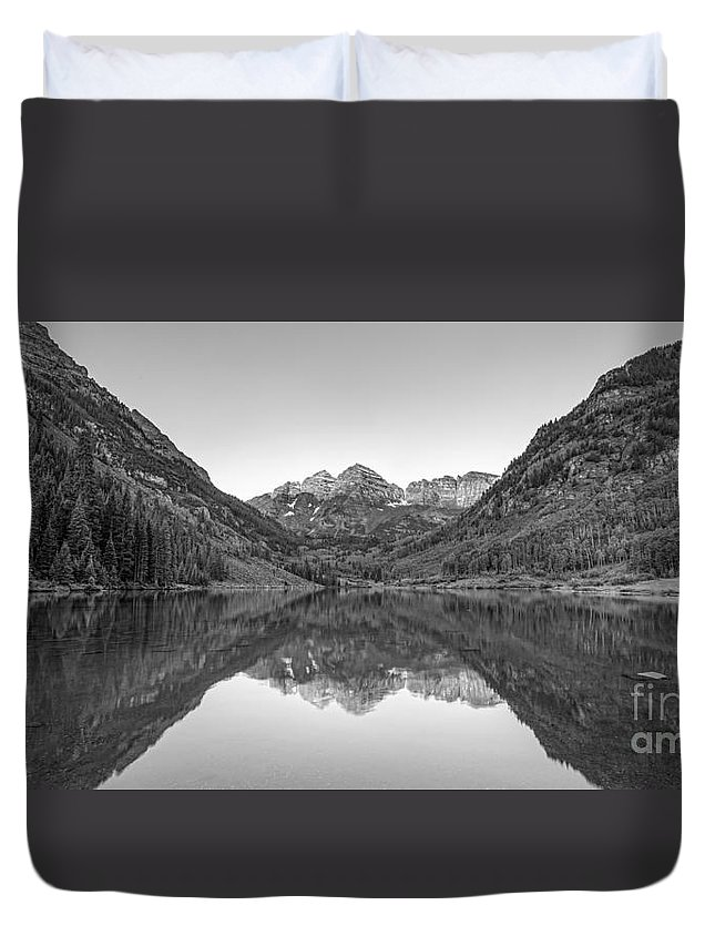 Maroon Lake Duvet Cover featuring the photograph Morning Reflections Bw by Michael Ver Sprill