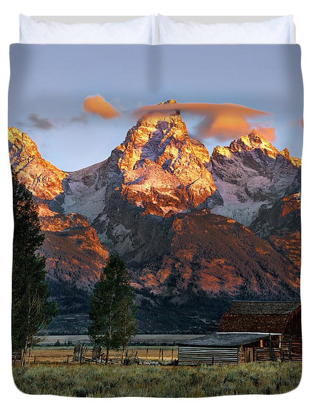 Wyoming Duvet Cover featuring the photograph Moulton Barn 2 by Leland D Howard