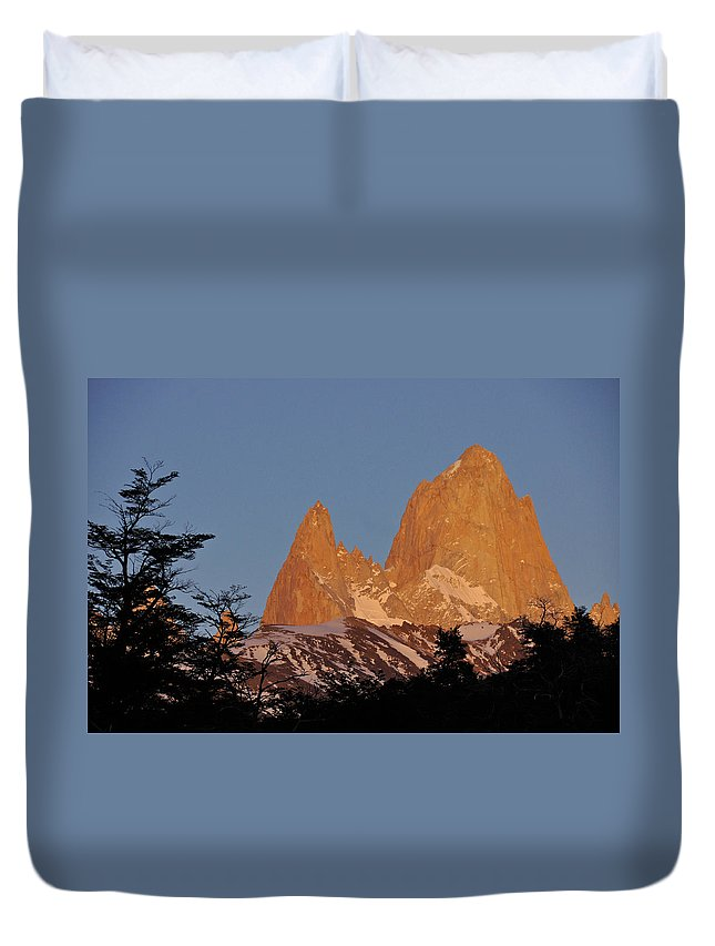 Argentina Duvet Cover featuring the photograph Mount Fitz Roy At Sunrise by Michele Burgess