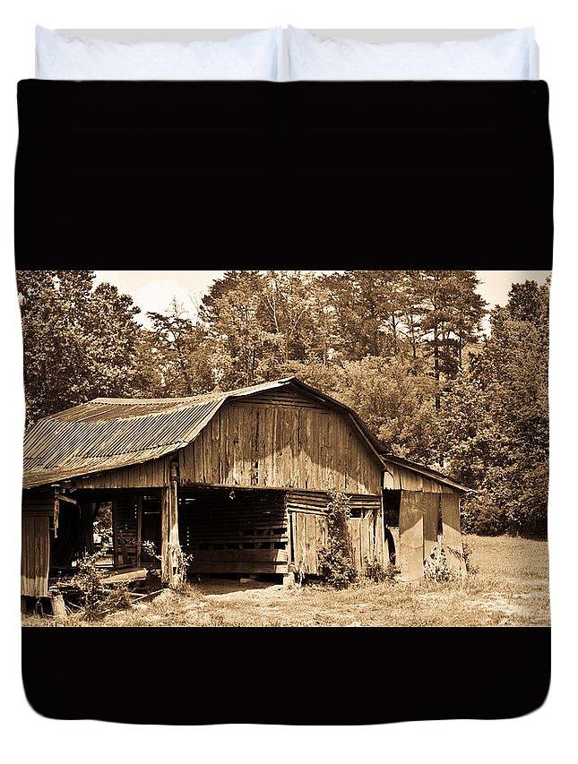 Mountain Duvet Cover featuring the photograph Mountain Barn 1 by Douglas Barnett