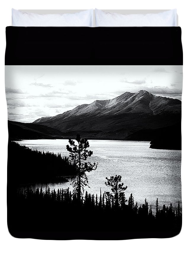 Americas Duvet Cover featuring the photograph Mountain Outline by Roderick Bley