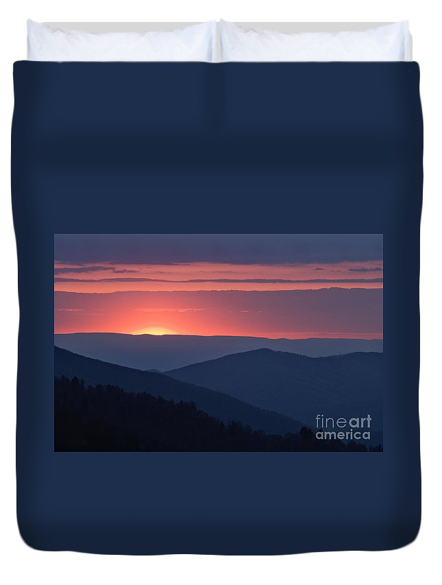 Great Duvet Cover featuring the photograph Mountain Sunset - D008988 by Daniel Dempster