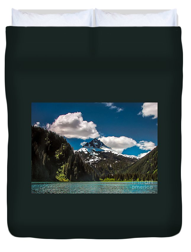 Alaska Duvet Cover featuring the photograph Mountain View by Robert Bales