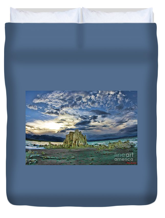 Mono Lake Duvet Cover featuring the photograph Mountain High At Mono Lake by Blake Richards