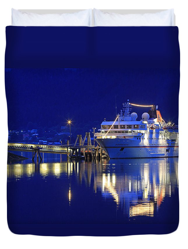 Ms Hanseatic Duvet Cover featuring the photograph Ms Hanseatic by Shoal Hollingsworth