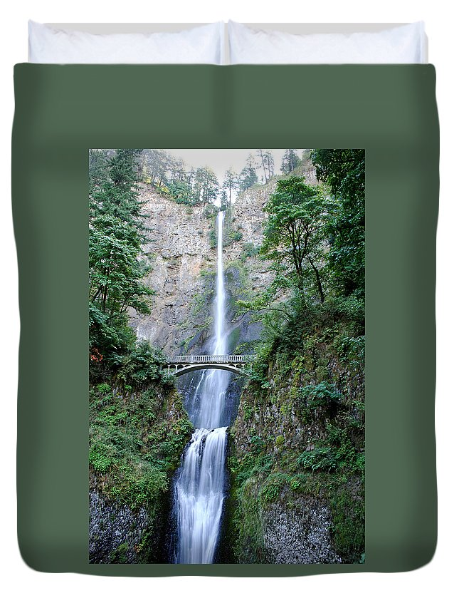 Waterfall Duvet Cover featuring the photograph Multnomah Falls by Ben Zell
