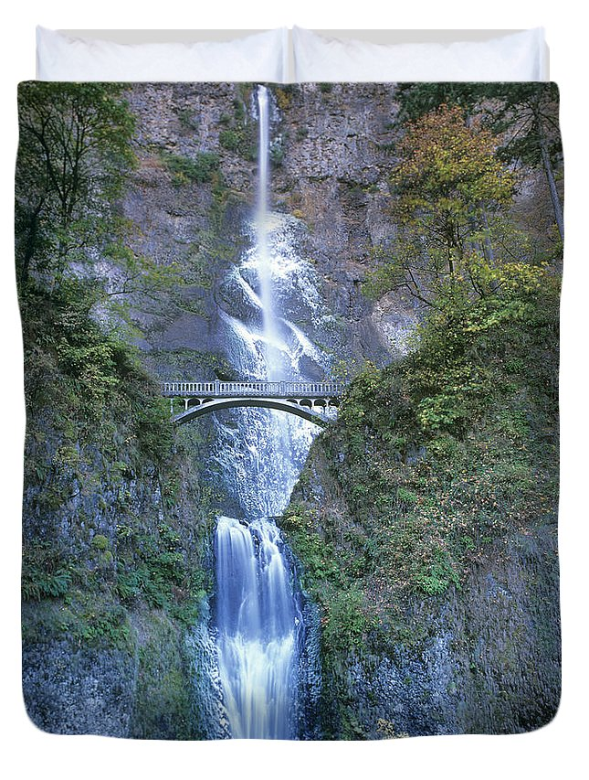 North America Duvet Cover featuring the photograph Multnomah Falls Columbia River Gorge by Dave Welling