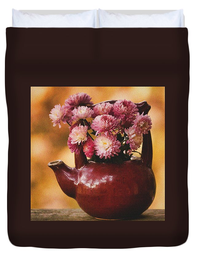 Mums Duvet Cover featuring the photograph Mums In A Teapot Still Life by Peggy Collins