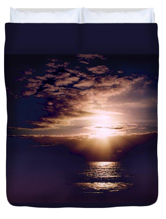 Seascape Duvet Cover featuring the photograph Mushroom by Steve Karol