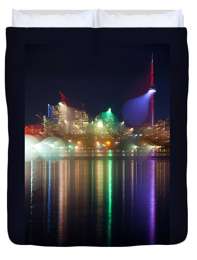 Toronto Duvet Cover featuring the photograph My Toronto. by Les Lorek