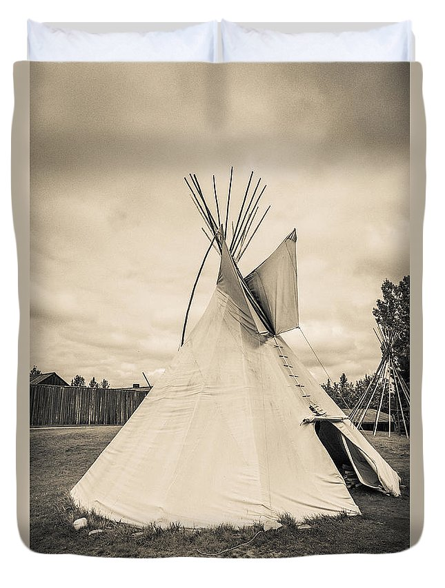 Fort Duvet Cover featuring the photograph Native American Plains Indian Tipi Tepee Teepee by Edward Fielding
