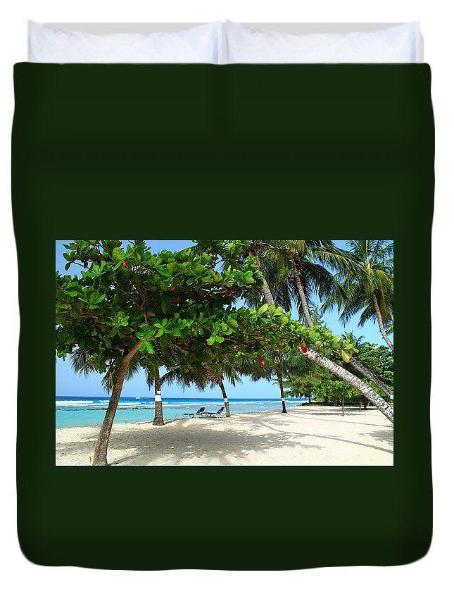 Barbados Duvet Cover featuring the photograph Natures Umbrella Tree by Catie Canetti