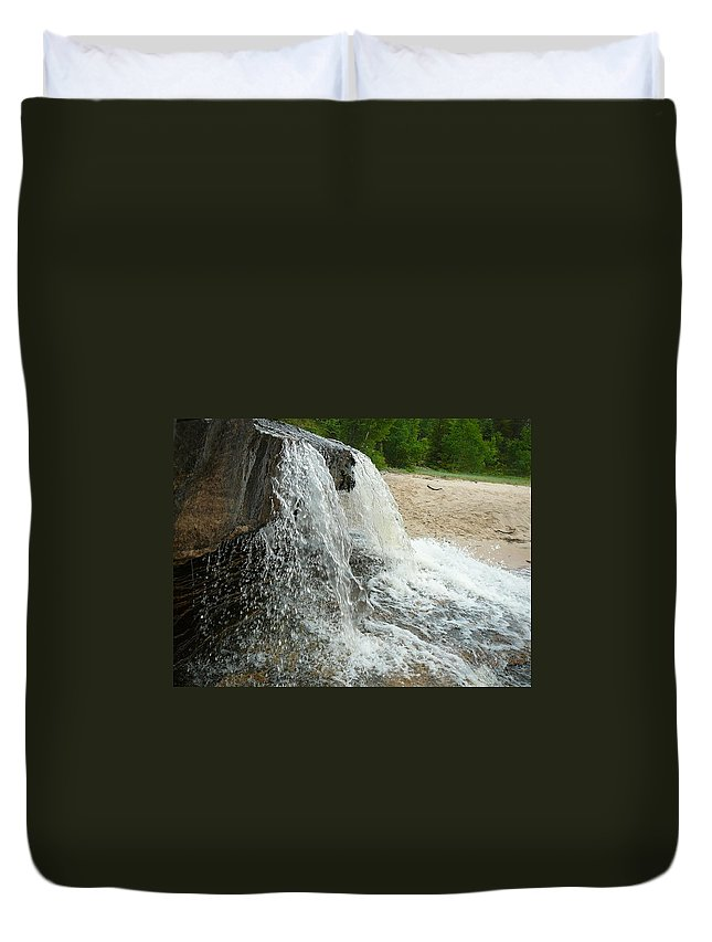 Upper Peninsula Duvet Cover featuring the photograph Natures Water Fountain by Two Bridges North