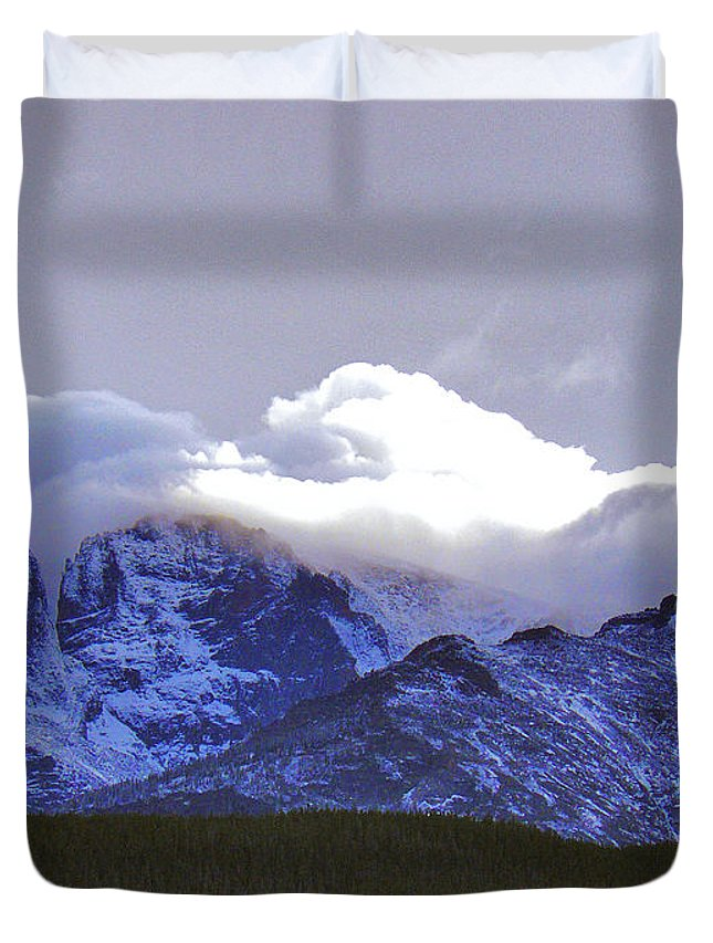 Longs Duvet Cover featuring the photograph Near Heaven by David Kehrli