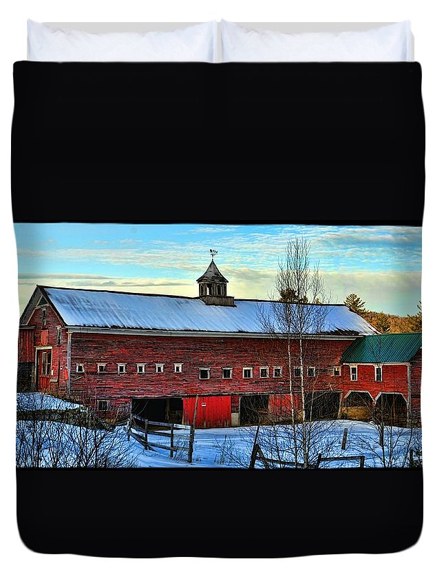 Hdr Duvet Cover featuring the photograph New Hampshire Farm House by Jes Fritze