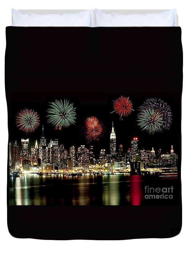 Nyc Duvet Cover featuring the photograph New York City Fourth Of July by Anthony Sacco