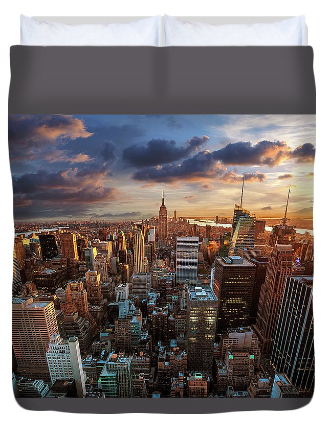 Tranquility Duvet Cover featuring the photograph New York City Skyline by Dominic Kamp Photography
