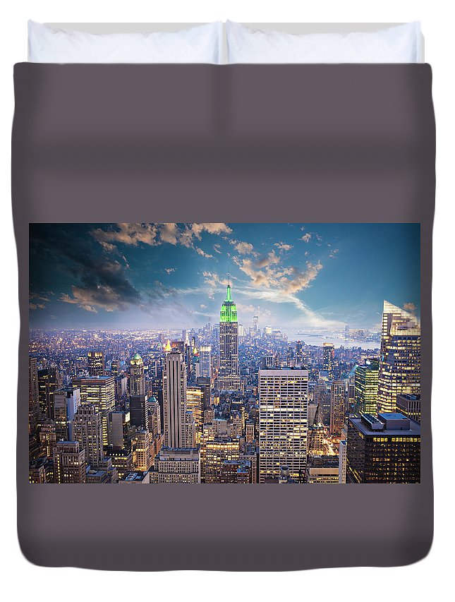 Lower Manhattan Duvet Cover featuring the photograph New York City by Xavierarnau