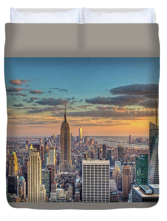 Tranquility Duvet Cover featuring the photograph New York Skyline Sunset by Basic Elements Photography