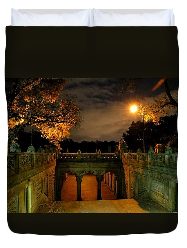 Bethesda Arcade Duvet Cover featuring the photograph Night-fall by Soon Ming Tsang