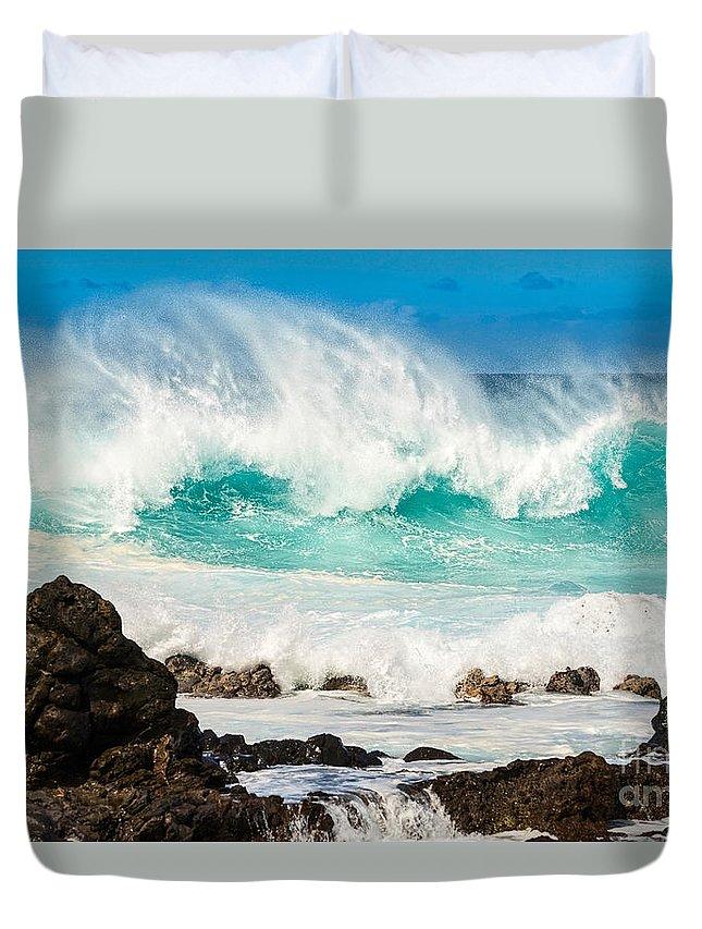 Hookipa Beach Duvet Cover featuring the photograph North Shore Crash by Jamie Pham