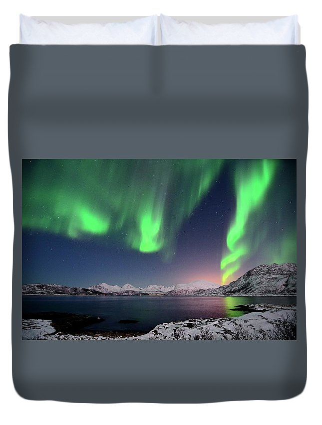 Tranquility Duvet Cover featuring the photograph Northern Lights And Moonlit Landscape by John Hemmingsen
