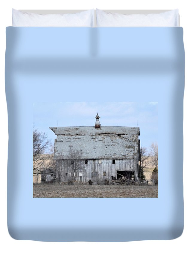 Barn Duvet Cover featuring the photograph Not Long by Bonfire Photography