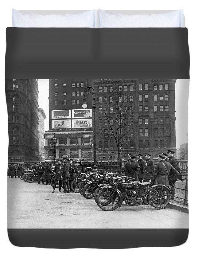 1920's Duvet Cover featuring the photograph Ny Motorcycle Police by Underwood Archives