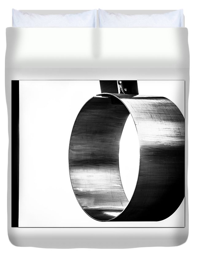 Abstract Duvet Cover featuring the photograph O by Darryl Dalton