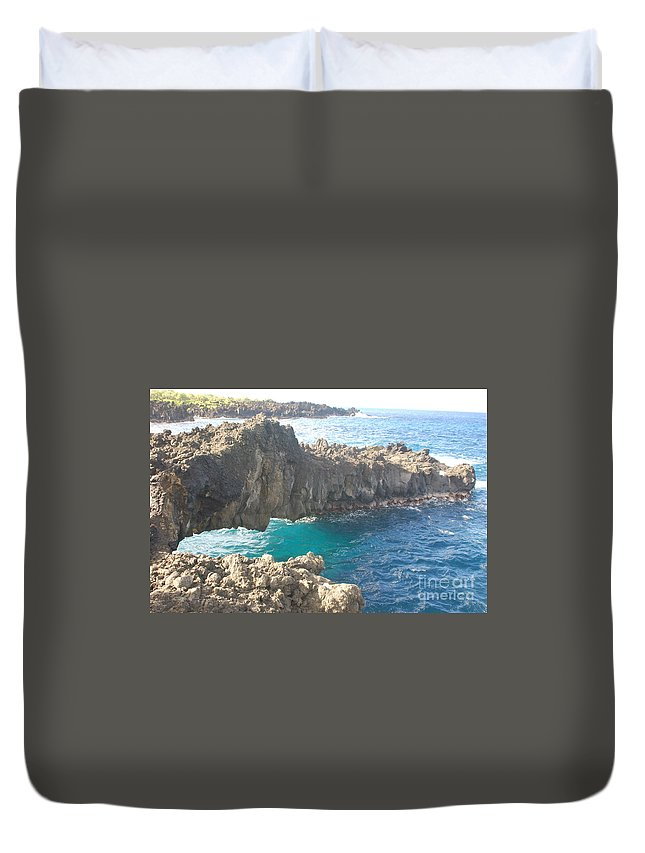 Rocks Duvet Cover featuring the photograph Ocean Arch by Mark Thompson