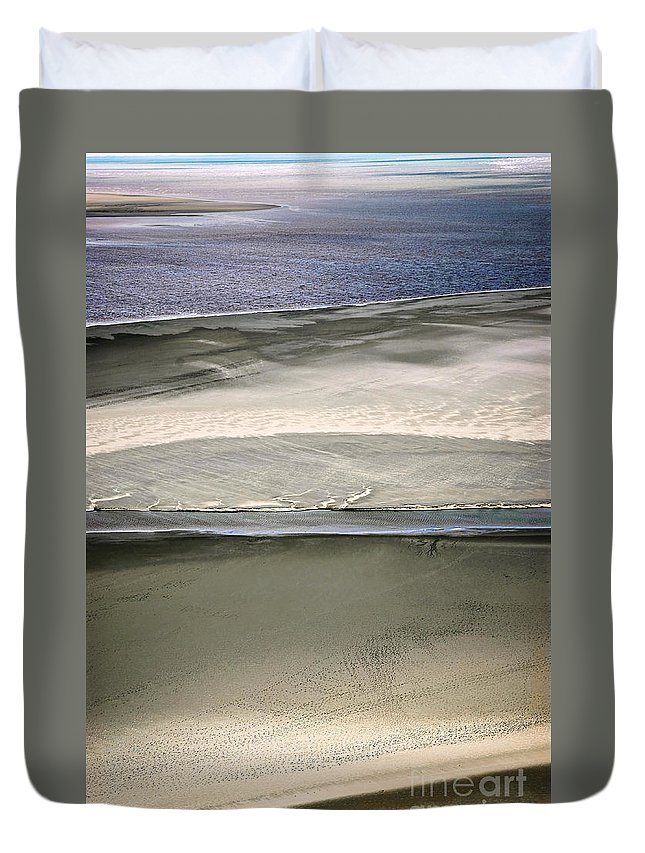Brittany Duvet Cover featuring the photograph Ocean At Low Tide by Elena Elisseeva