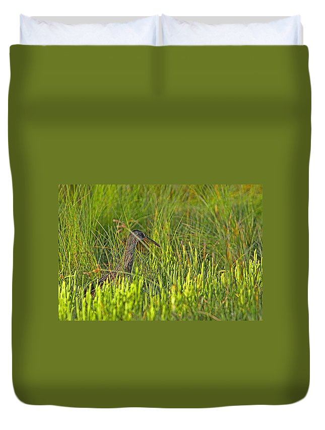 Island Duvet Cover featuring the photograph Off The Fairway by Gary Holmes
